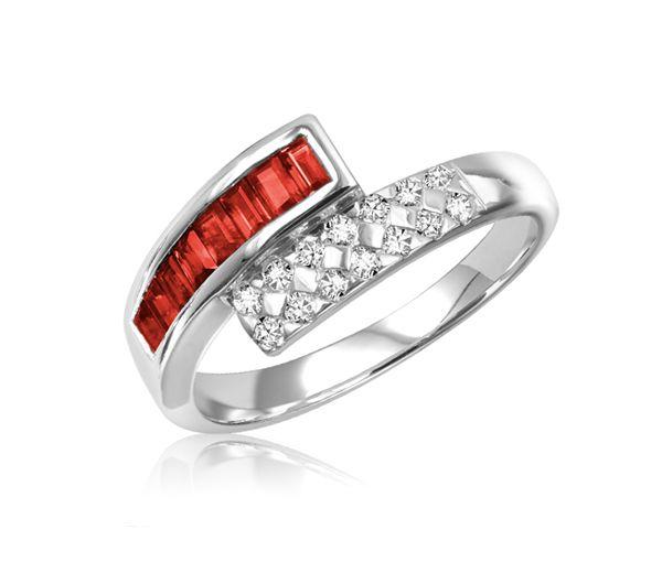 Jolie bague pour dame en or 10k blanc sertie de rubis et de diamants