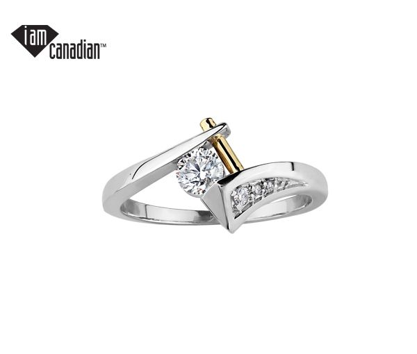 Bague dame or 10k 2 tons sertie de 3 diamants