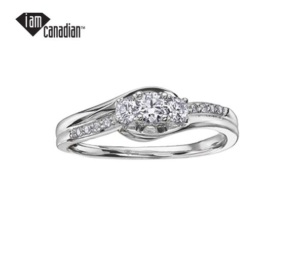 Bague dame or 10k blanc sertie de 13 diamants