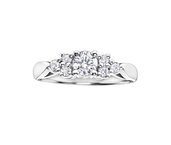 Bague dame or 14k blanc sertie de 7 diamants