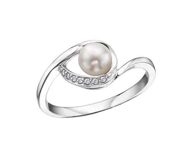Bague dame 10k blanc perle culture 7=0,03 diamant i1