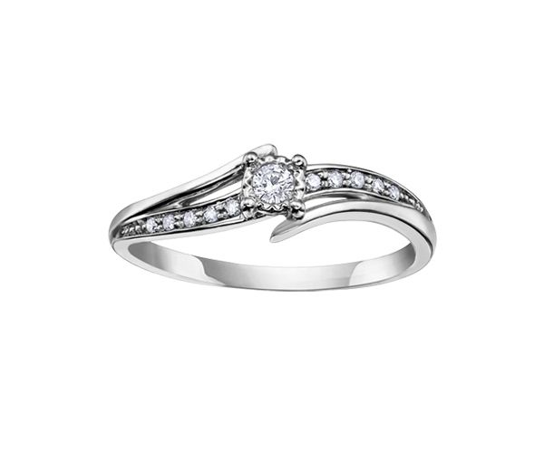 Bague dame en or 10k blanc sertie de diamants