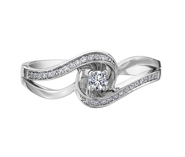 Bague dame or 10k blanc sertie de 29 diamants
