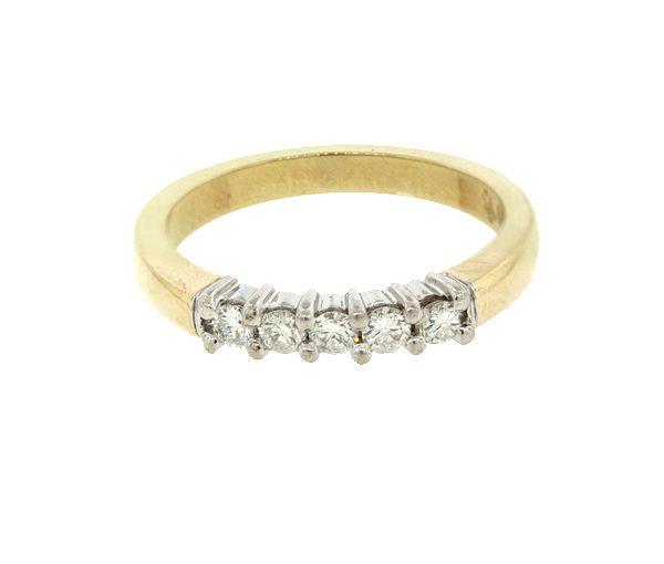 Joli jonc pour dame en or 10k 2t tons serti de diamants