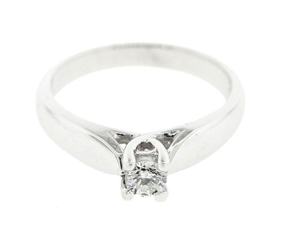 Bague dame solitaire en or 14k blanc sertie d'un diamant