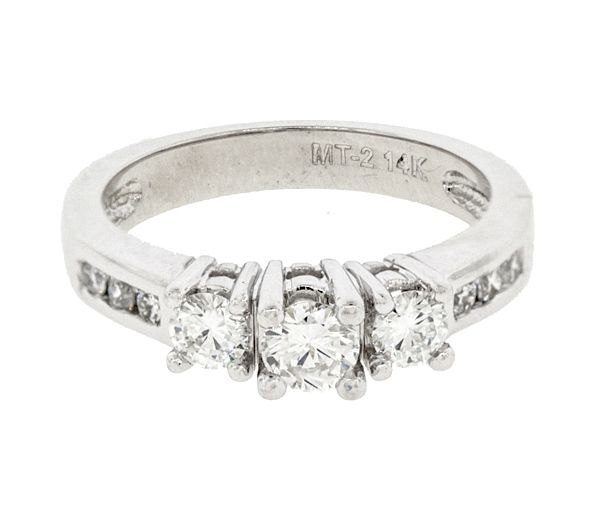 Bague dame style trinité en or 14k blanc sertie de 9 diamants